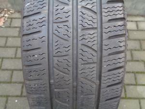PIRELLI Carrier Winter 215/60 R16C